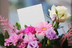 Rosas, Flores, Envio rosas, regalar rosas a domicilio, centro de rosas blancas, floristería Flores Soraya, floristeria online, floristeria Veguellina de Orbigo, floristeria